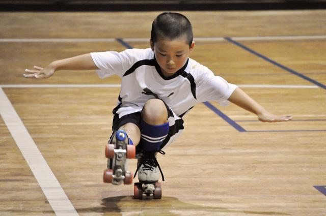 楽しいよ!ローラーフィギュアスケート・・・徳島コンドーローラークラブ